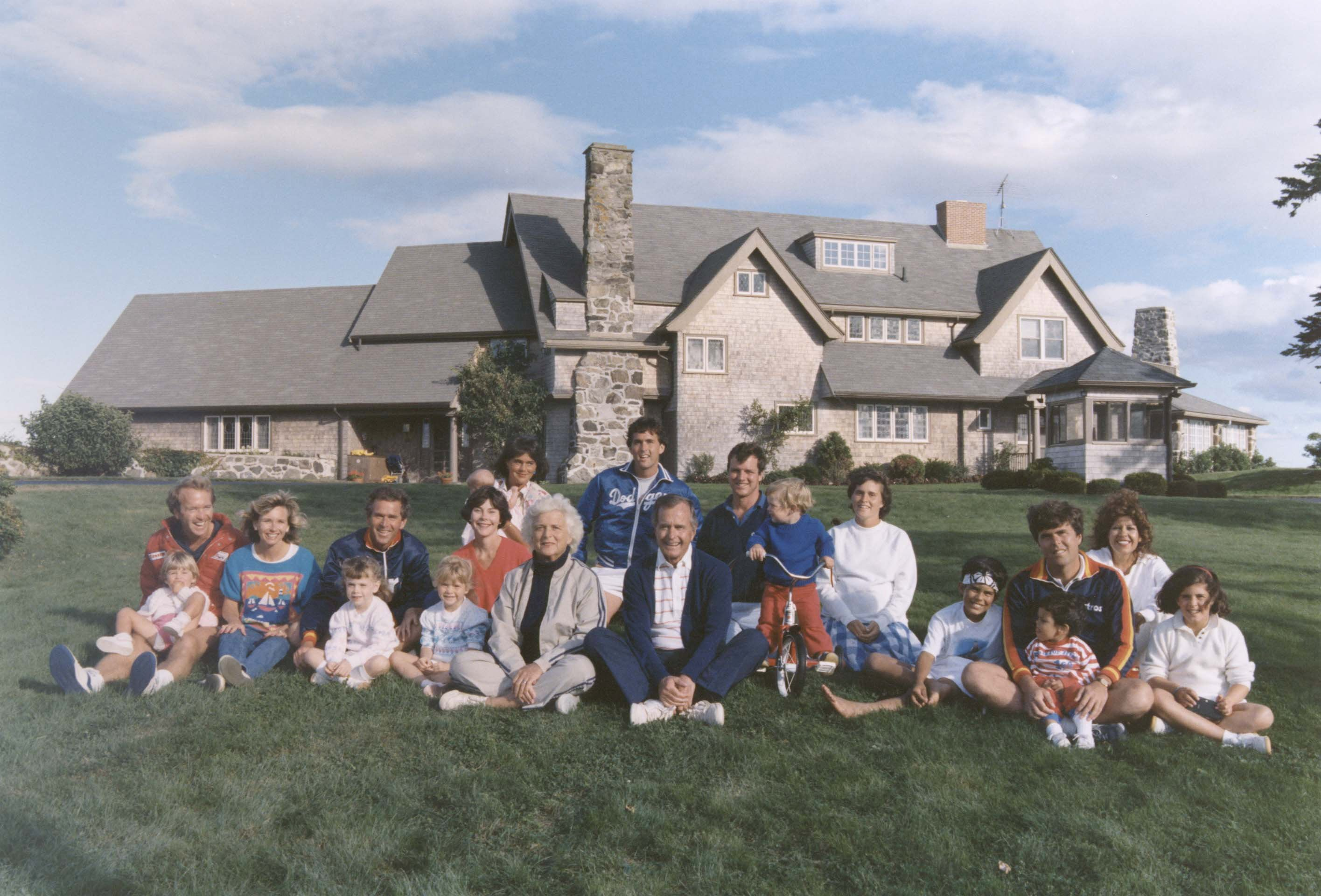 FILE PHOTO:  Portrait of the Bush family sitting in front of their home in Kennebunkport, Maine